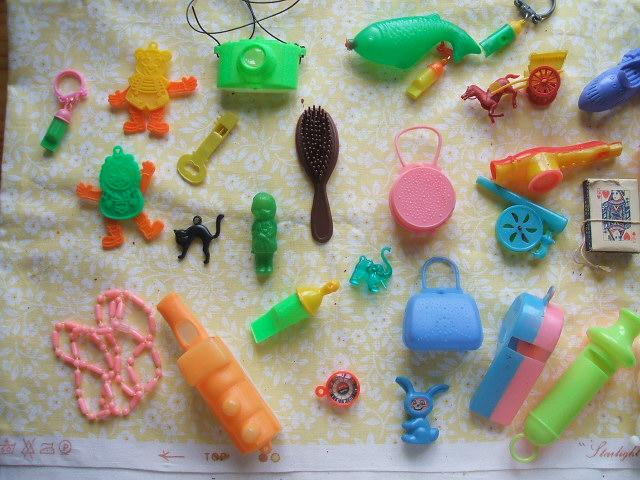 Christmas Cracker Toys.Making Good Use The Vintage Christmas Haul